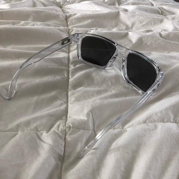 dfb3c2250d184 Oakley Holbrook Clear Frame Sunglasses. M 5ac93830077b975209559de5